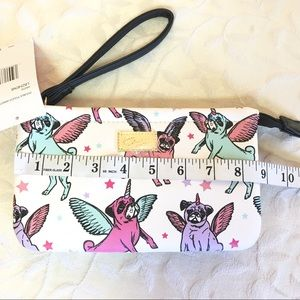 Luv Betsey Johnson Unicorn Pug Stars Double Pouch Wristlet White LBZHEN8 NWT